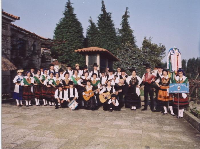 O Rancho Folclórico de S. Tiago de Carapeços